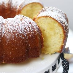 Mom's Lemon Butter Bundt Cake recipe has a crispy, buttery bottom similar to old-fashioned buttermilk donuts. Kissed with lemon, this is a must! Butter Bundt Cake Recipe, Lemon Bundt Cake, Bundt Cakes, Pound Cake, Butter Cakes, Layer Cakes, Lemon Recipes, Baking Recipes, Cake Recipes