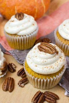Kürbis-Cupcakes mit Zimt-Frischkäse-Frosting...die schmecken phantastisch