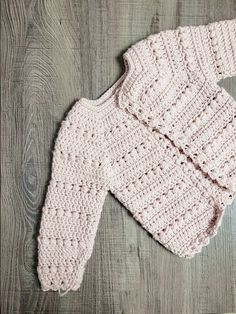 Crochet Toddler Sweater, Crochet Baby Cardigan Free Pattern, Baby Sweater Patterns, Crochet Baby Clothes, Crochet For Kids, Crochet Patterns, Single Crochet Decrease, Crocheting, Baby Sweaters