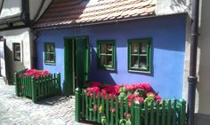 Praga - Złota uliczka / Golden Lane, Prague Stuffed Peppers, Vegetables, Prague, Blue Houses, Stuffed Pepper, Vegetable Recipes, Stuffed Sweet Peppers