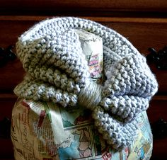 Bow Tie Cowl by Amanda Reed knit garter stockinette pattern ravelry