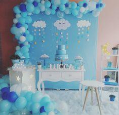 A imagem pode conter: área interna Rain Baby Showers, Stork Baby Showers, Baby Shower Deco, Baby Shower Tags, Boy Baby Shower Themes, Baby Shower Balloons, Baby Shower Parties, Baby Boy Shower, Welcome Baby Party