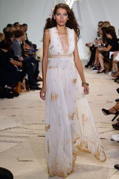 De Paris a Nova York, inspire-se nos vestidos de noiva das passarelas de verão 2016 - Vogue | Tendências