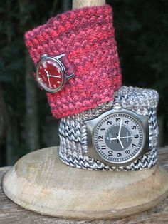 Love these knitted watch bands created by Bluebutton using Wendy Bernard's Boogie Time Watch Band Pattern.  She adapted the band so the watch can be removed to wash the band.