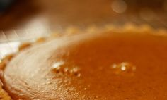 Organic Pumpkin Pie Recipe I must try for Thanksgiving! Replacing sugar with stevia or agave :)