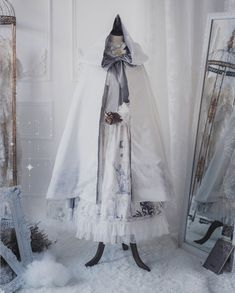 ZJ Story -The Graveyard of the Dragons- Gothic Ouji Lolita Cape with Hood Pretty Outfits, Pretty Dresses, Beautiful Dresses, Cute Outfits, Kawaii Fashion, Lolita Fashion, Cute Fashion, Kawaii Dress, Kawaii Clothes
