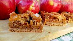 Je čas jabĺk, včera sme oberali našu jabloň, tak voľba  padla na tento koláč. Recept je z knihy Pečieme s  pôžitkom.