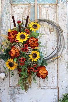 Fall Rope Wreath with Sunflowers, cattails, peonies, daisies and assorted greenery Summer Door Wreaths, Christmas Mesh Wreaths, Autumn Wreaths, Deco Mesh Wreaths, Floral Wreaths, Spring Wreaths, Western Wreaths, Country Wreaths, Diy Wreath