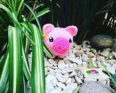 #pig #pigs #pige #puerco #cochino #rosa #amigurumi #amigurumitoy #bauldelulumanualidades #amigurumilove ## #crochê #crochet #crochetaddict #crocheting #crochetersofinstagram #crochetlover #crochetdesign #crochetblanket #crochetgeek #crocheter #crochetbaby #crochetcreations #crochethook by bauldelulumanualidades