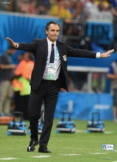 Fifa World Cup 2014 - England vs Italy 1-2 - Il C.T. Cesare Prandelli. #azzurri #italia #worldcup #mondiali #vivoazzurro