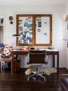 A vintage Herman Miller chair in the home office. Decor, Home, Interior And Exterior, Herman Miller Chair, Furniture, Interior, Home Office, Room, Disc Interiors
