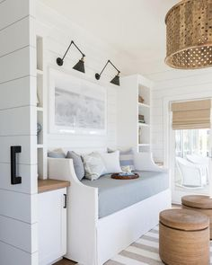 Awesome beach house inspirations For Summer Home Decor « Home Decoration Coastal Bedrooms, Coastal Living Rooms, Home Living Room, Living Room Decor, Coastal Master Bedroom, Cottage Living, Country Living, Dining Room, Home Design
