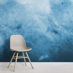 An extremely soothing, but at the same time, stimulating vista naturally comes off when the wall features the Blue Grunge Watercolour Paint Wallpaper Mural. Watercolor Wallpaper, Watercolor Walls, Painting Wallpaper, Watercolor Design, Watercolour Painting, Wallpaper Murals, Bathroom Wallpaper, Design Room, Deco Design