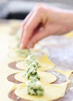Ravioli met geitenricotta en verse kruiden