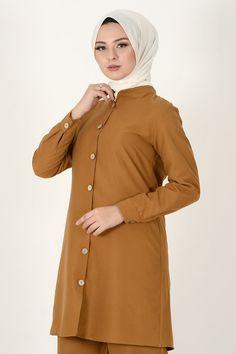 Modest Outfits, Hijab Fashion, Dress Patterns, Chiffon Tops, Raincoat, Tunic, Buttons, Seasons, Jackets