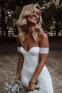 Pleated Wedding Dresses, Dream Wedding Dresses, Wedding Gowns, Maxi Dresses, Wedding Trends, Boho Wedding, Wedding Ideas, Mermaid Wedding, Wedding Pictures