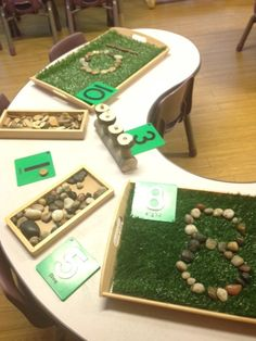 Exploring number @ New Horizons Preschool. Love the fake grass in the tray. Exploring number @ New H Maths Eyfs, Numeracy Activities, Literacy And Numeracy, Preschool Classroom, Kindergarten Math, Teaching Math, Number Activities, Reggio Emilia Classroom, Reggio Inspired Classrooms