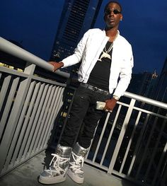 Look at what rapper Young Dolph wore at a recent photo shoot. WHAT ARE THOOOOSE???