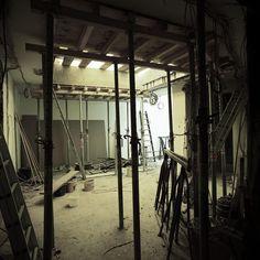 4 Wochen vor Eröffnung Common Projects, Blue Houses, Restoration, Stairway