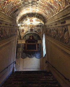 Bologna {Archiginnasio} #succedesoloabologna #scorci_italiani #allshots #grandangoloinstapage #going_into_details #igw_vintage #scacco_matto_ #loves_bestpic #loves_details by tacco_quindici