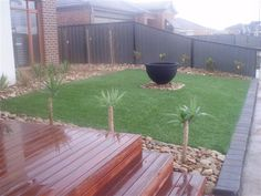 Garden Design Ideas - Photos of Gardens. Browse Photos from Australian Designers & Trade Professionals, Create an Inspiration Board to save your favourite images. Mobile Home Landscaping, Front Yard Landscaping, Landscaping Ideas, Lawn And Landscape, Landscape Design, Garden Design, Garden Ideas Australia, Sloped Front Yard, Front Yard Design