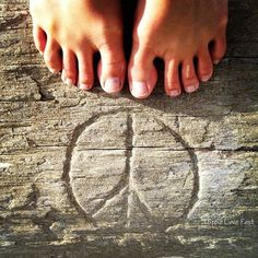 YOU KNOW YOU ARE A HIPPIE IF YOU LOVE TO GO BAREFOOTED & BELEIVE IN PEACE.