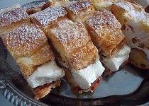 Kardinálův řez II. Thing 1, French Toast, Breakfast, Food, Recipes, Morning Coffee, Essen, Meals, Yemek