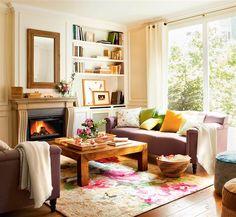 Salón con chimenea y alfombra de flores