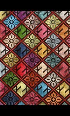 Palestinian Diy Embroidery, Cross Stitch Embroidery, Embroidery Patterns, Knitting Patterns, Cross Stitch Charts, Cross Stitch Designs, Cross Stitch Patterns, Palestinian Embroidery, Sewing Stitches