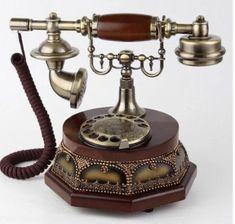 Vintage Phones, Vintage Telephone, Victorian Home Decor, Victorian Homes, Vintage Iron, Retro Vintage, Clock Display, Old Wall, Vintage Belt Buckles