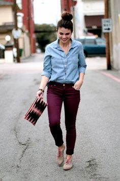 Maroon dress, outfit with burgundy pants, outfit with maroon pants, maroon Burgundy Pants Outfit, Skinny Pants Outfits, Purple Jeans, Maroon Dress Outfit, Oxblood Pants, Colored Jeans Outfits, Maroon Skinny Jeans, Jeggings Outfit, Blue Shirt With Jeans
