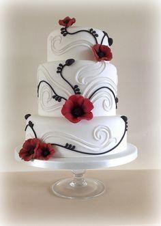 wedding cake / swirls and poppy details