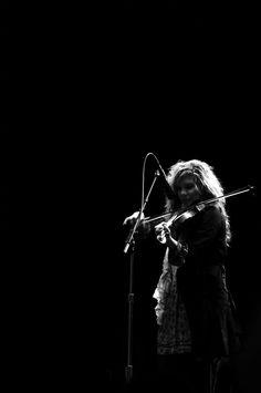 Allison Krauss Folk Music, Music Music, Allison Krauss, Electro Swing, Dream Concert, Bluegrass Music, Country Landscaping, Union Station, Irish Traditions