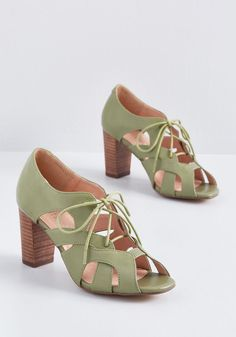 These green heels from Chelsea Crew are ready to empower your bold side at a moment's notice! With interwoven arches forming their sleek cutouts,. Hot Shoes, Women's Shoes Sandals, Flats, The Garden Of Words, Keep Shoes, Green Heels, Shoe Wardrobe, Pretty Shoes, Womens Shoes Wedges