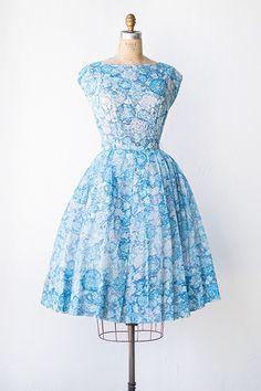 vintage 1950s blue rose floral print dress