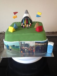 Pyramid stage Glastonbury cake