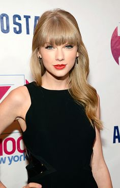 I love Taylor Swift's bangs!! They look really good on her!!
