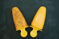 Mangoeis ohne Zucker, laktose- und glutenfrei geht nicht? Geht doch! Und es schmeckt auch noch ganz wunderbar cremig und süß.