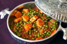 Tanvii.com | Indian Fashion, Travel & Lifestyle Blog: Recipe: Mattar Paneer