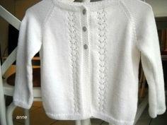 Où trouver un modèle et des explications pour tricoter un gilet et un boléro