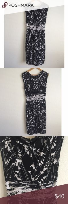 Adrianna Papell floral dress 96% polyester 4% spandex Adrianna Papell Dresses