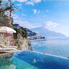 Amalfi Coast Tours in south of Italy by locals. Discover the Amalfi Coast with us by visiting places like Amalfi, Ravello, Capri, Positano. Hotel Amalfi, Amalfi Coast Hotels, Amalfi Coast Italy, Greek Islands To Visit, Positano, Marina Bay Sands, River, Places, Check