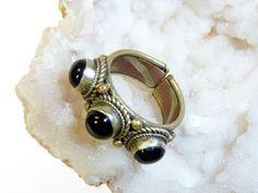 Orientalischer Ring mit drei Onyxen von Melach auf DaWanda.com