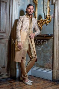 India Fashion Men, Arab Men Fashion, Nigerian Men Fashion, Suit Fashion, Sporty Fashion, Mod Fashion, Indian Groom Dress, Indian Suits, Somali Wedding