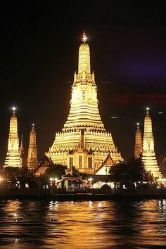 Wat Arun, Bangkok, Thailand  - see more Travel Pinspiration here: http://www.ytravelblog.com/travel-pinspiration-2/