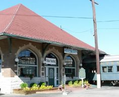 Clara S Restaurant In The Former Pere Marquette Michigan Central Railroad Depot Built Lansing Mi We Had Mulder Family Reunion Here And Their
