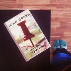 It's Friday! What are your plans for the weekend? I'm going to the library to pick up another John Green book because I finished Paper Towns today. I hope you all have a lovely weekend ☀️