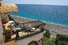 I want to stay at this hotel in Positano, Italy.... I love Italia. I am struggling to decide on which pin-board I want to post this to! Wishes or Love or Places?! Can I post it to all?