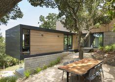 Les architectes de Shands Studio ont eu comme projet la réalisation de cette maison en lieu et place d'un ancien bâtiment de chasse. Les contraintes étaien