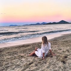 Sunsets like this... #bliss #palmcove #seewanttravel